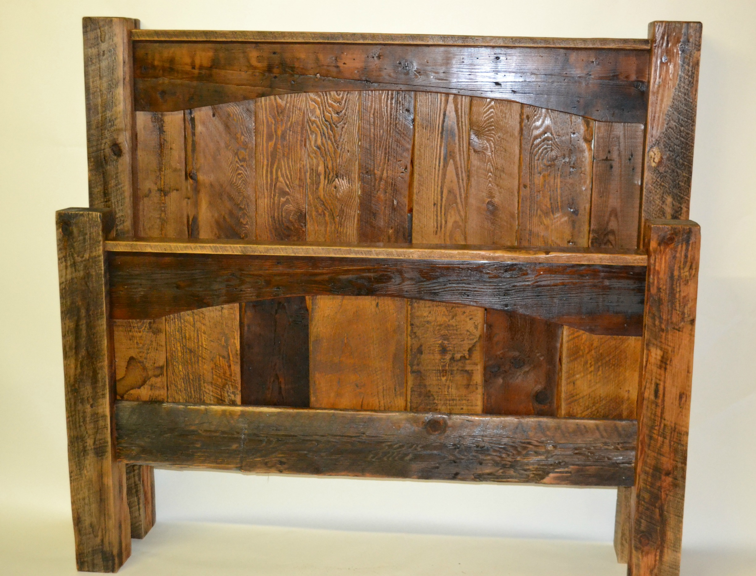 Alpine Barnwood Bed