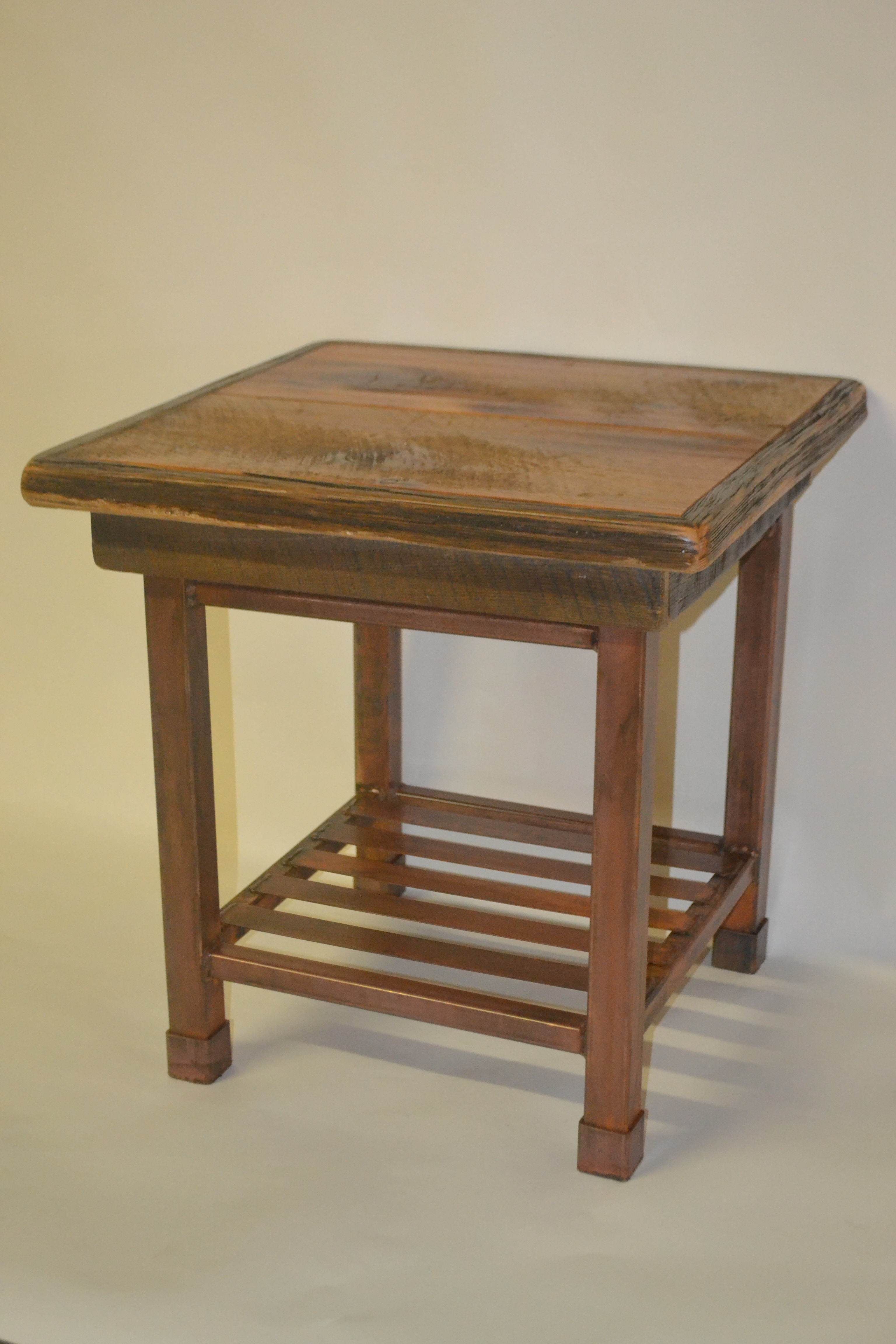 Iron and wood furniture - Click